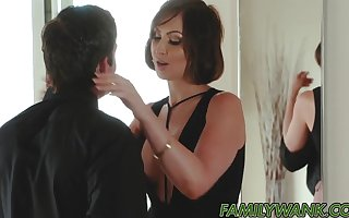 Banging  hot stepmom coupled with cum ergo eternal near the brush brashness