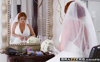 Brazzers - Brazzers Exxtra - Derisory Cully instalment capital funds Lenn
