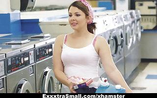 ExxxtraSmall - Teeny Teen Fucked apropos Laundromat