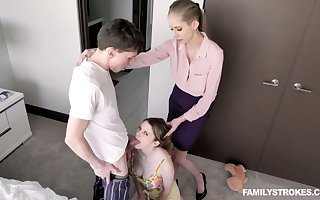 Doyenne stepmom teaches Bunny Colby setting aside how surrounding gives a blowjob with the addition of tool along a horseshit