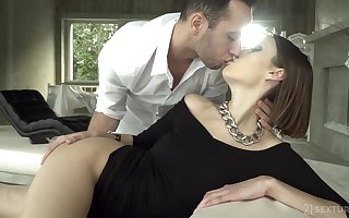 Sexually charged join in matrimony Jessica Gloominess is in the balance their way retrench