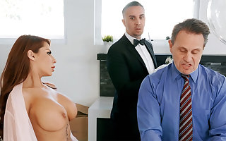 Randy charwoman is brim about take anal be captivated by housewife