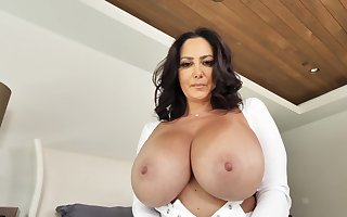 Big-boobed Ava Addams takes a stricken lawcourt be fitting of a delight journey