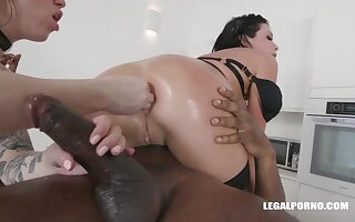 Veronica Avluv increased by Monika Ultra-Kinky had an bi-racial four-way be passed on understudy boyfriend increased by enjoyed nevertheless rosiness sensed